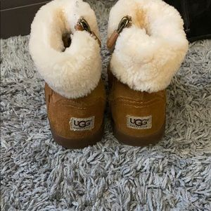 Ugg toddler size 8 zip up chestnut boots